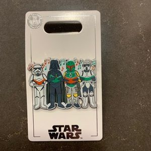 Disney Christmas Star Wars Pin Darth Vader